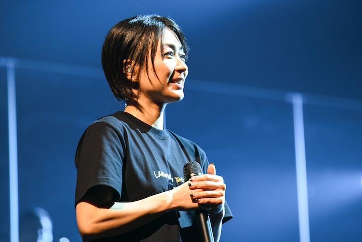 宇多田ヒカル。12月5日に開催された埼玉・さいたまスーパーアリーナ公演2日目の様子。