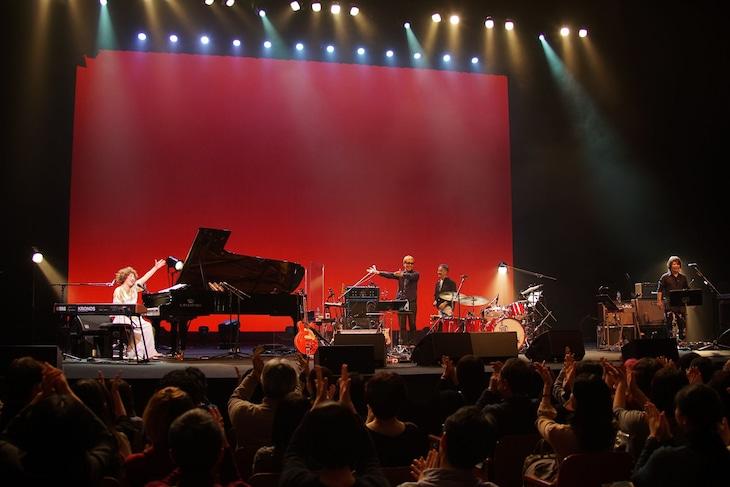 矢野顕子「さとがえるコンサート 2018」東京・NHKホール公演の様子。(Photo by Susie)