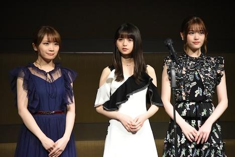 左から乃木坂46の秋元真夏、齋藤飛鳥、松村沙友理。