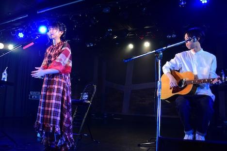 「原田珠々華 ワンマンライブ~Acoustic Set~ 『title』」の様子。