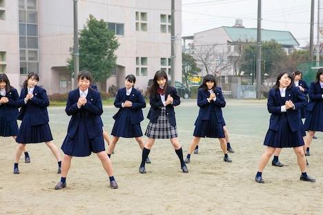 """清原果耶出演の""""応援ダンスムービー""""より。"""