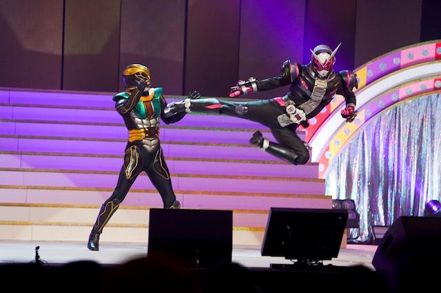 「仮面ライダージオウ」ショーの様子。(Photo by HAJIME KAMIIISAKA+Z)