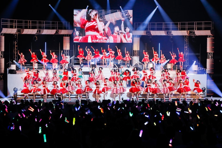 「Hello! Project 20th Anniversary!! Hello!Project 2019 WINTER ~YOU & I~」初日公演の様子。(写真提供:アップフロント)