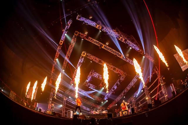 「MY FIRST STORY S・S・S TOUR FINAL at Yokohama Arena」2日目公演の様子。(Photo by TAKASHI KONUMA)