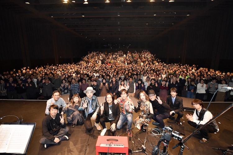 1月14日に東京・日本橋三井ホールで行われた高野寛「Spectra Special」の出演者たち。