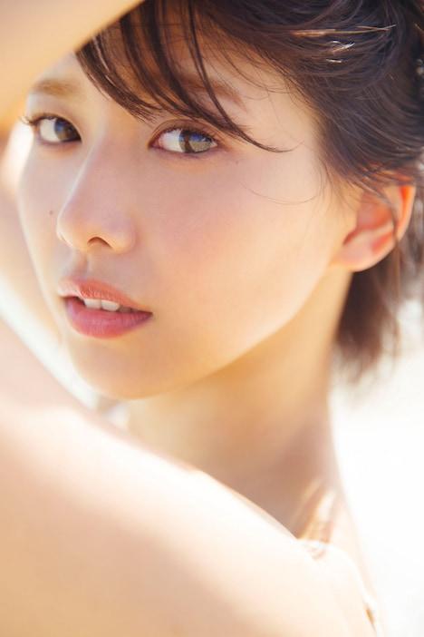 渡邉理佐1st写真集(タイトル未定)より。(撮影:倉本GORI)