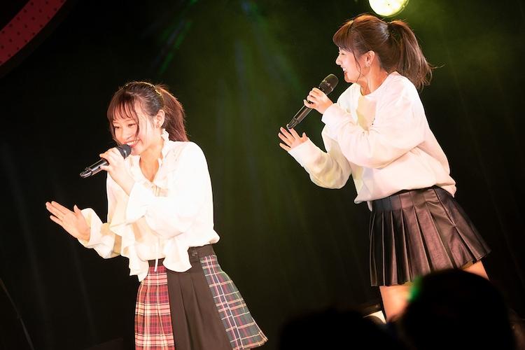左から橘二葉、櫻井紗季。(写真提供:EPICレコードジャパン)