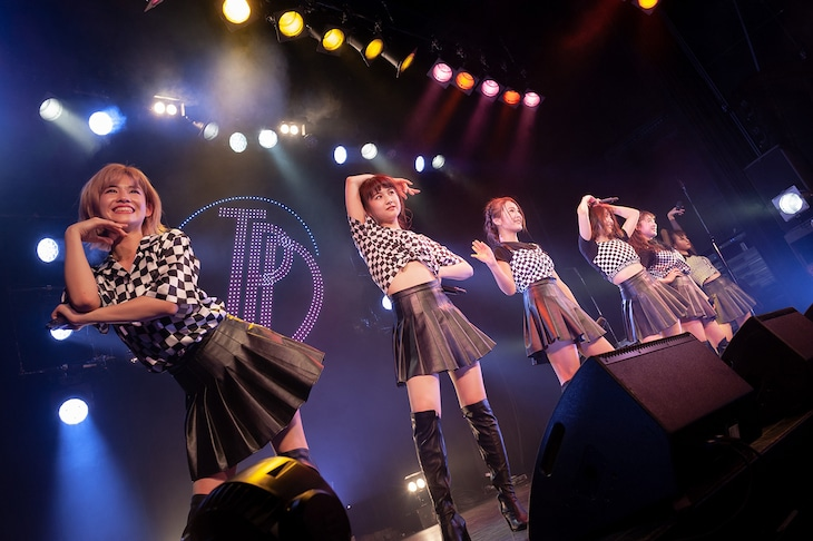 東京パフォーマンスドール「渋谷 LIVE CIRCUIT ~バレンタインナイト~」の様子。(写真提供:EPICレコードジャパン)