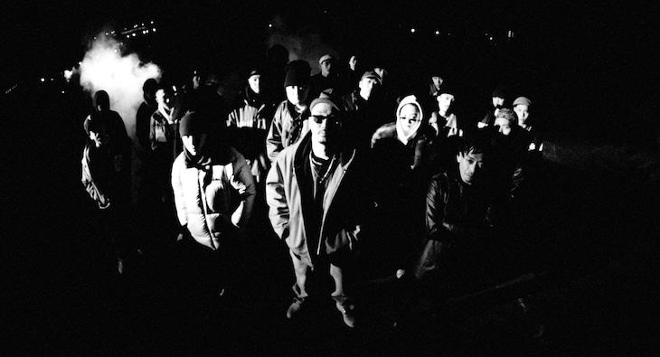 KOJOE 「WARnin' feat. 仙人掌 & RUDEBWOY FACE」ミュージックビデオのワンシーン。
