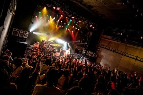 フルカワユタカ「ロックスターとエレキギター」WWW公演の様子。(撮影:中條のぞみ)