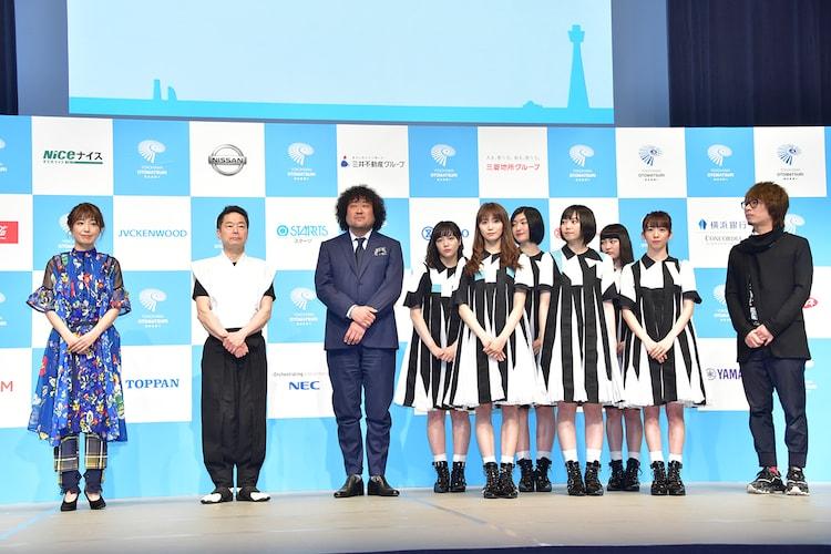 左から村治佳織、林英哲、葉加瀬太郎、私立恵比寿中学、菅野祐悟。