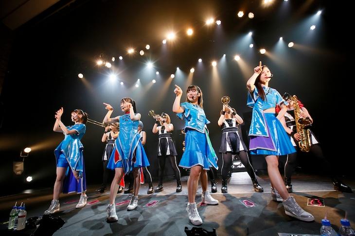 「TEAM SHACHI 1st TOUR 2019 ~タイムトレインかなた~」愛知・日本特殊陶業市民会館 ビレッジホール公演の様子。(撮影:笹森健一)