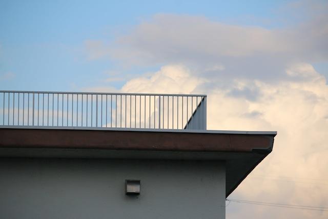清志郎が通っていた東京都立日野高校の屋上。