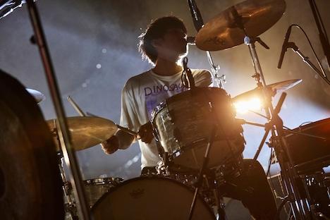 鈴木健人(Dr)(Photo by Yosuke Torii)