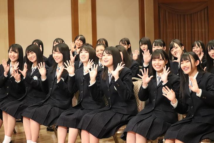 「STU48 イ申(いもうす)テレビ シーズン5」よりサプライズ発表の様子。(c)東北新社