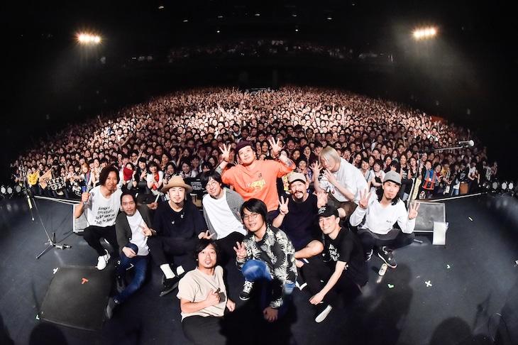 ACIDMAN、ストレイテナー、THE BACK HORN「THREE for THREE」東京公演の様子。(Photo by AZUSA TAKADA)