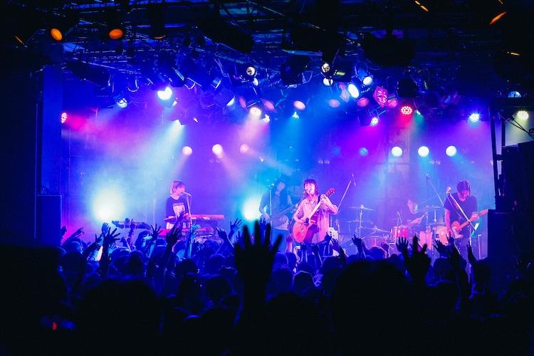「ハルカトミユキ BAND TOUR 2019」6月15日公演の様子。(撮影:山川哲矢)