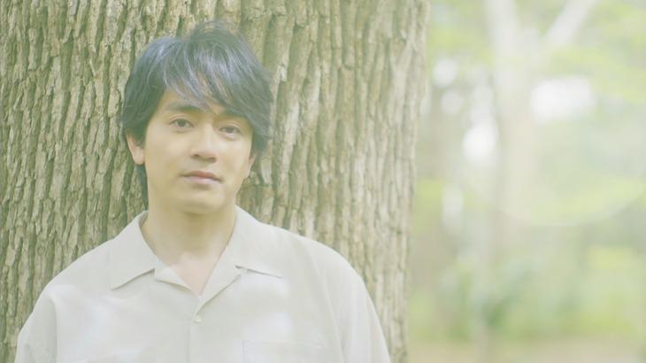 青柳翔「HOME」ミュージックビデオのワンシーン。