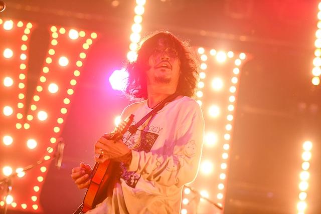 伊藤雄和(Vo, Mandolin / OLEDICKFOGGY)(Photo by Teppei Kishida)