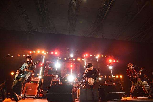 SHADOWS(Photo by Yuji Honda)