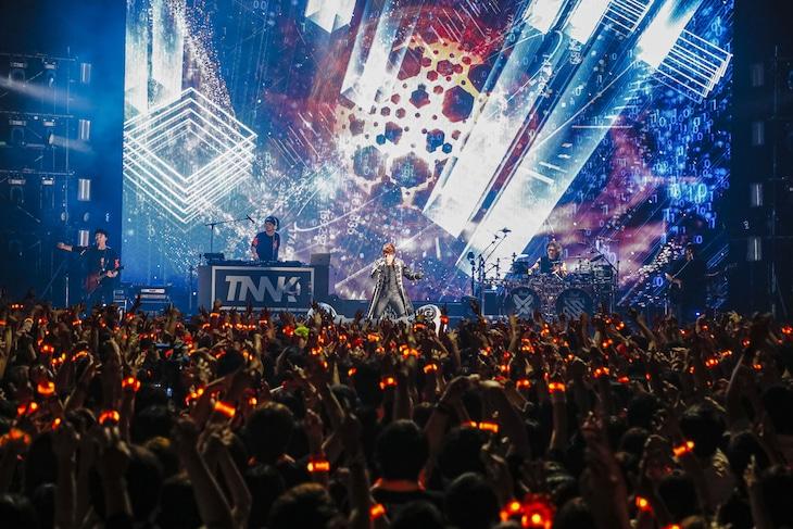 西川貴教「Takanori Nishikawa LIVE TOUR 001[SINGularity]」Zepp Tokyo公演の様子。(Photo by CHIE KATO[CAPS])