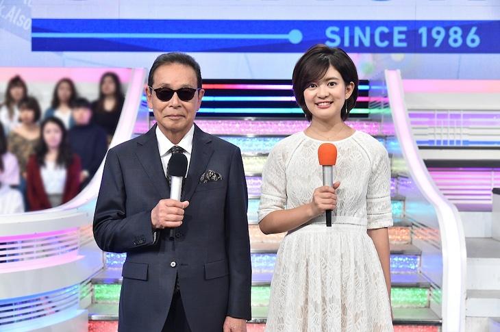 左から司会のタモリ、並木万里菜(テレビ朝日アナウンサー)。 (c)テレビ朝日
