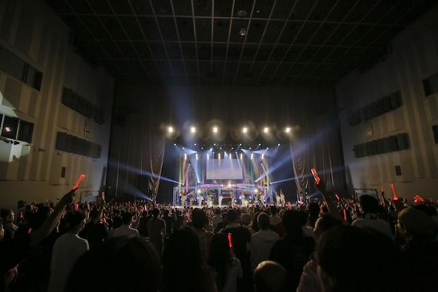 「東京女子流 CONCERT*07『10年目のはじまり』」の様子。(写真提供:エイベックス)