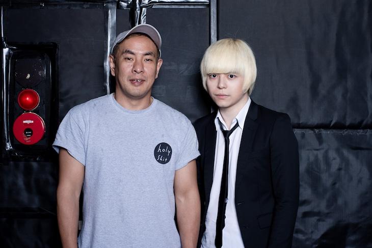 左から佐藤大輔、「夏の魔物2019」プロデューサーの成田大致。