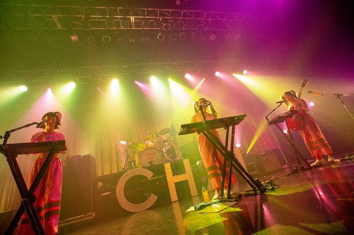 「CHAI JAPAN TOUR 2019『PINKなPUNKがプンプンプン トゥアー!』」東京・新木場STUDIO COAST公演の様子。(撮影:中磯ヨシオ)