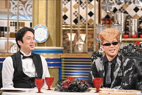 左から徳井義実、綾小路翔。 (c)TBS
