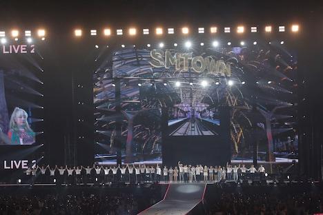 「SMTOWN LIVE 2019 IN TOKYO」の様子。(写真提供:エイベックス)