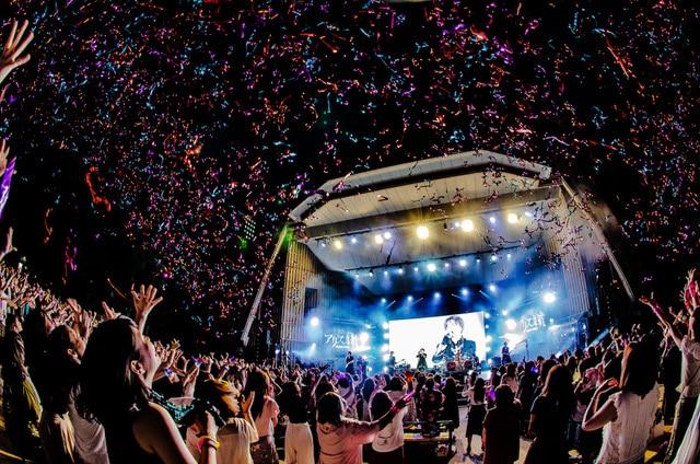 "「A9 LAST ONEMAN ALIVERSARY TOUR FINAL & 15TH ANNIVERSARY""THE TIME MACHINE""~もしも時が戻るならば 願いますか?~」の様子。(写真提供:NEXT DECADE Inc.)"