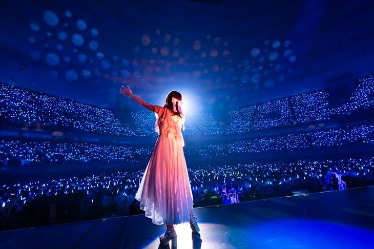 水瀬いのり「Inori Minase LIVE TOUR Catch the Rainbow!」武道館公演の様子。(写真:加藤アラタ、堀内彩香)