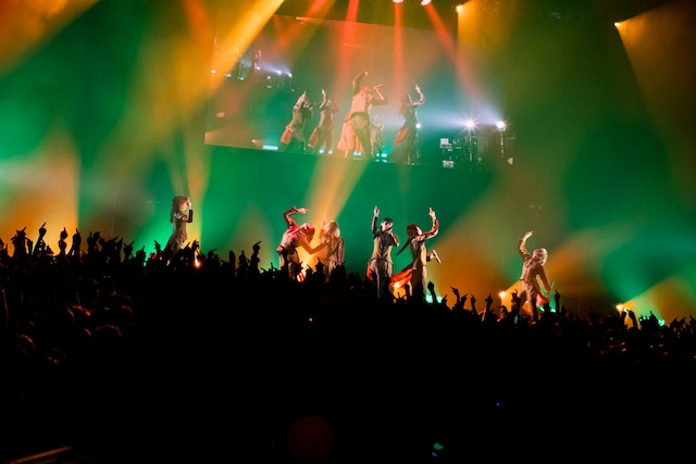 「TOKYO BiSH SHINE5」のライブの様子。(Photo by sotobayashi kenta)