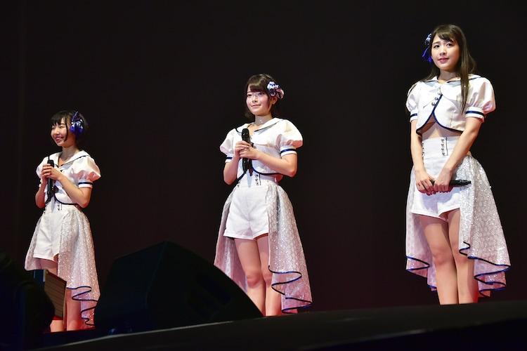 左から転校少女*新メンバーの小西杏優、小倉月奏、上原わかな。