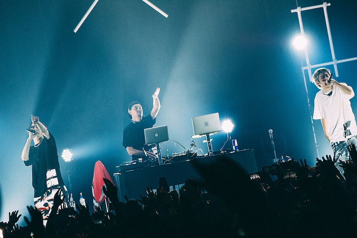 SKY-HI×SALU「Say Goodbye to the System -Supported by G-SHOCK-」東京・Zepp DiverCity TOKYO公演の様子。