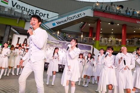 会場にサプライズ登場したNON STYLEの石田明。(Photo by Yoshifumi Shimizu)