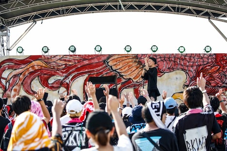 KAIRIのステージの様子。(撮影:鈴木公平)