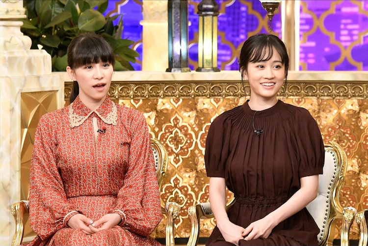 左からあ~ちゃん、前田敦子。 (c)TBS