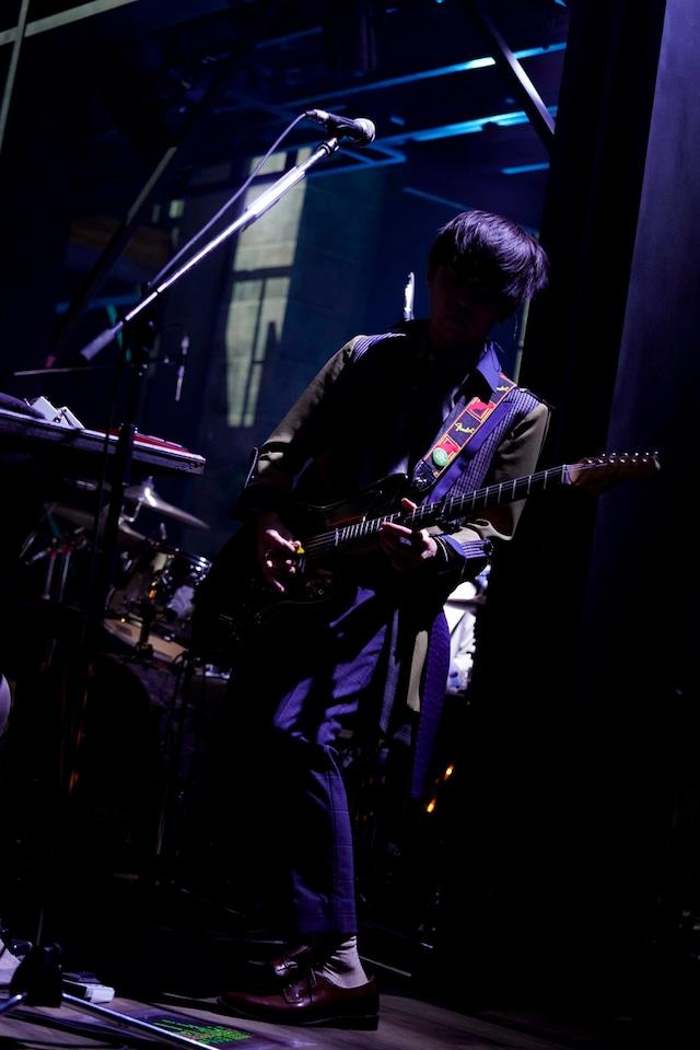若井滉斗(G)(Photo by HAJIME KAMIIISAKA)