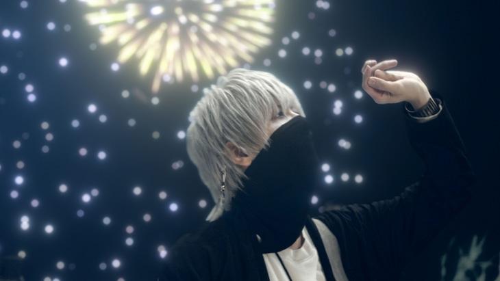 まふまふ「それは恋の終わり」ミュージックビデオのワンシーン。