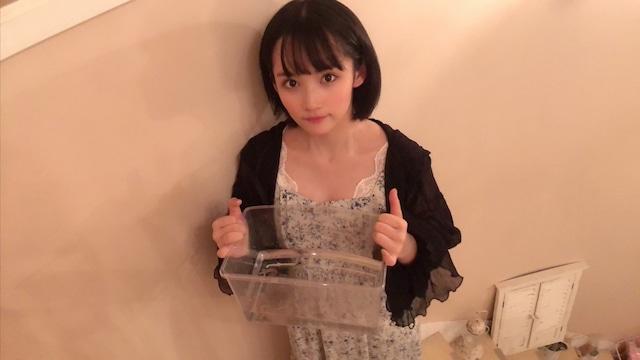 矢作萌夏とタピちゃん。