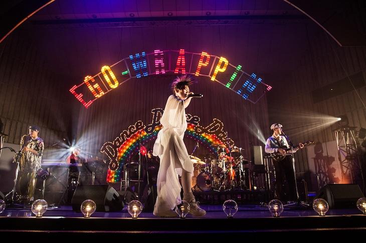 EGO-WRAPPIN'「Dance, Dance, Dance」東京公演の様子。