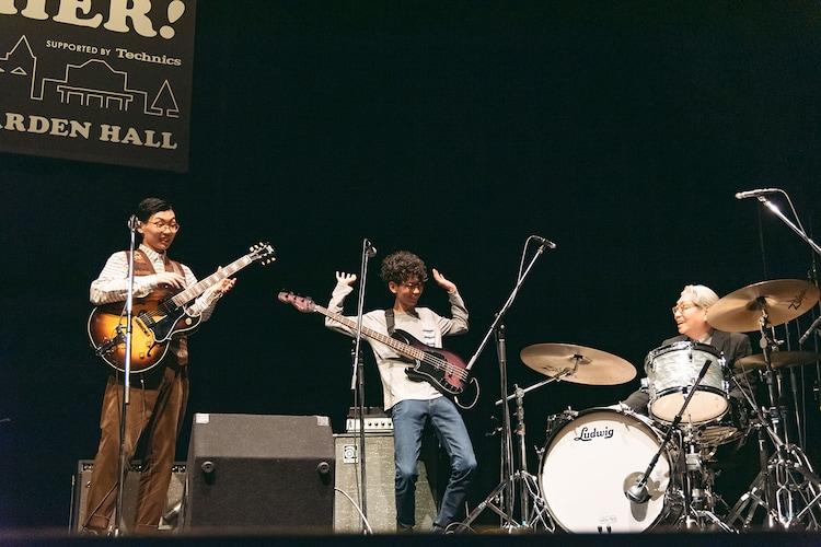 左から福原音、細野ゆうた、細野晴臣。(Photo by Miki Azuma)