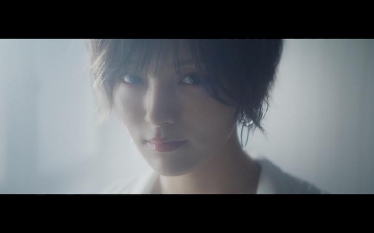 山本彩「追憶の光」ミュージックビデオのワンシーン。