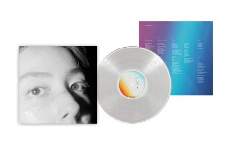 マイカ・ルブテ「Closer」アナログ盤のデザイン。