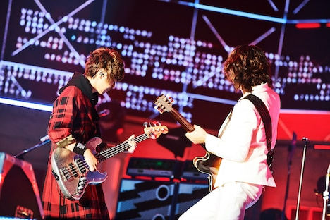 左からJIRO、TAKURO。(撮影:田辺佳子)