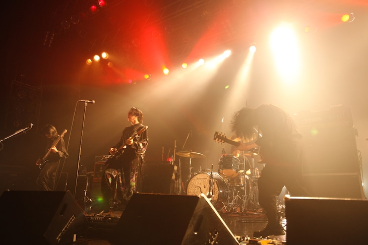 THE NOVEMBERS「NEO TOKYO -20191111-」の様子。(Photo by Susie)