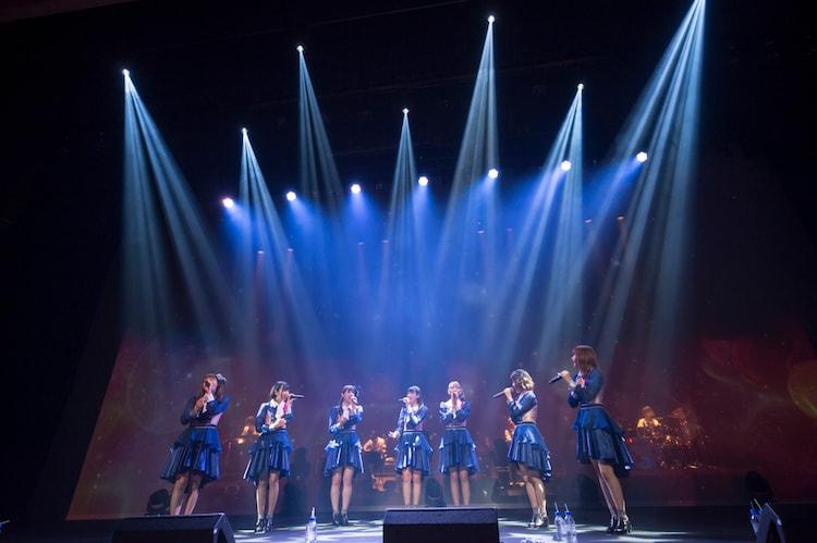 「Love Range!(アコースティックVer)」を歌う転校少女*。(撮影:林晋介)
