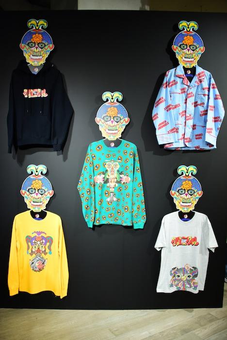 「少年クロニクル POP-UP STORE」店内ディスプレイの一部。